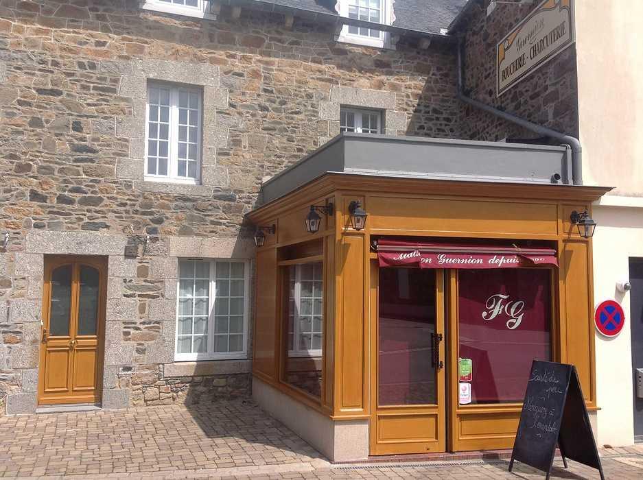 Rénovation de la vitrine d''une boucherie - Hillion - Côtes d''Armor 2014-05-2715.25.50-1